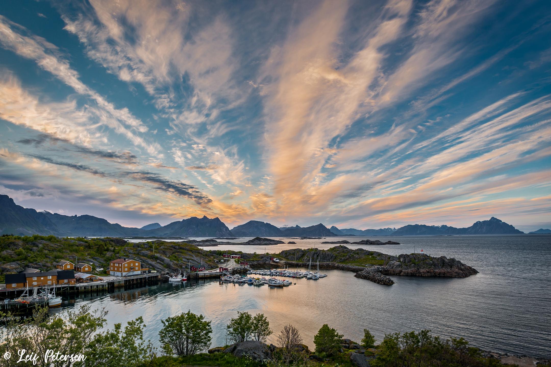 Stamsund Harbour_s.jpg